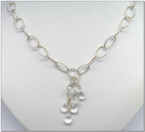 Zilveren ketting met bergkristal brioletten