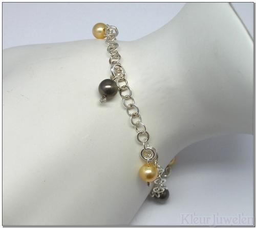Armband met bruine en gouden parels
