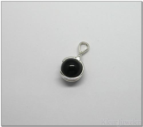 Hanger met zwarte onyx