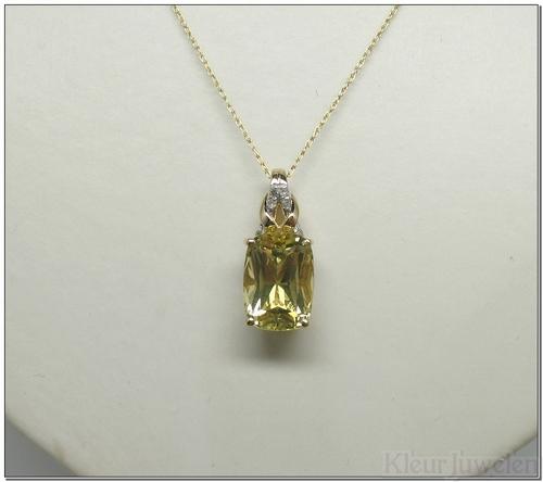 Geelgouden hanger met ovale lemonkwarts en diamanten (14k)