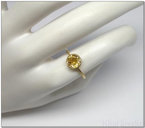 Geelgouden ring met ronde citrien (18k)