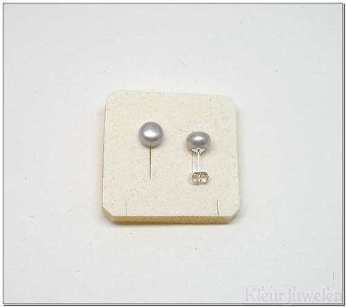 Parel oorstekers 8 mm grijs