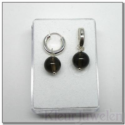 Zilveren oorhangers met rookkwarts bollen