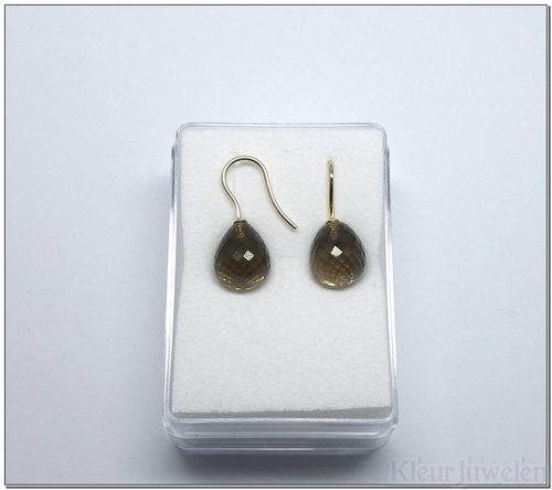 Geelgouden oorhaken met rookkwarts (14k)