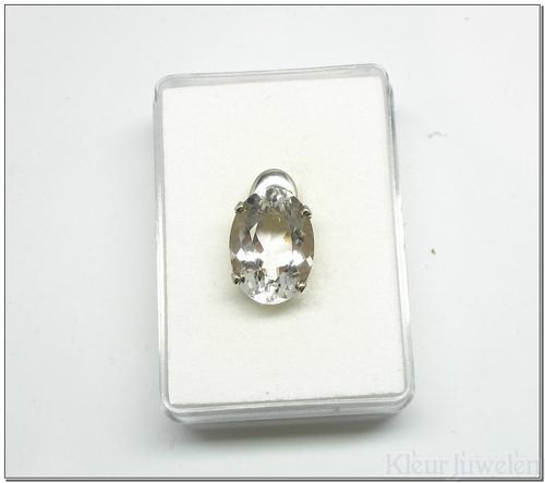 Hanger met ovale bergkristal (open zetting)