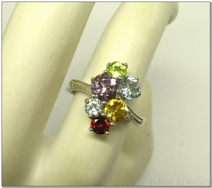Multicolour ring met ronde edelstenen
