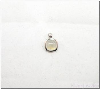 Zilveren hanger met vierkante cabochon maansteen