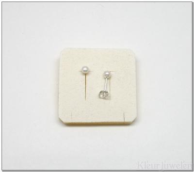 Parel oorstekers 4 mm wit