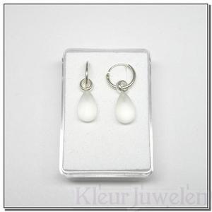 Zilveren oorhangers met gematteerde bergkristal