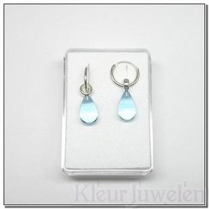 Zilveren oorhangers met blauwe topaas