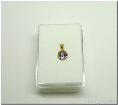 Geelgouden hanger met ronde amethist van 7 mm (14k)