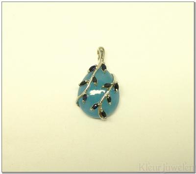 Zilveren hanger met blauwe chalcedoon en saffier