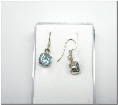 Zilveren oorbellen met ronde topaas (8mm)