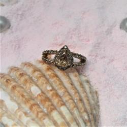 Geelgouden ring met grote...