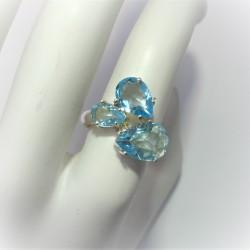 Ring met peervormige blauwe...