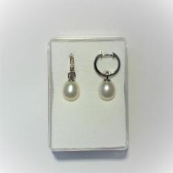 Zilveren oorbellen met...