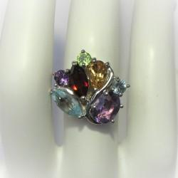 Ring met ovale lichtblauwe...